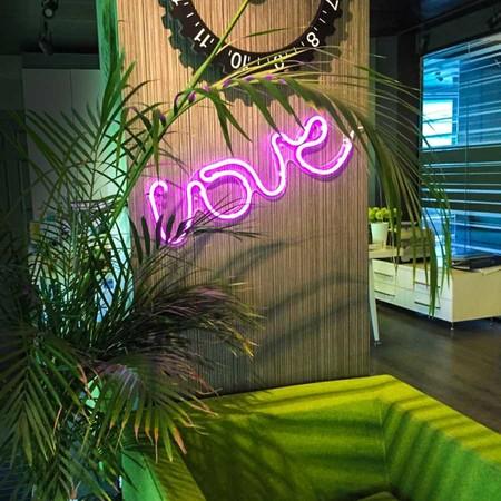 Neon Love Duvar Aydınlatması - Thumbnail