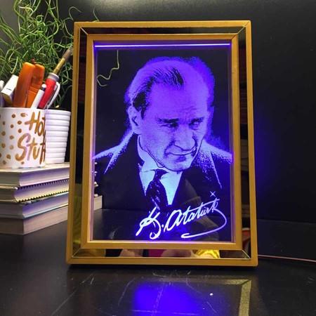 - Ahşap Çerçeve Atatürk Led Aydınlatma Lambası