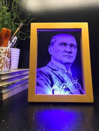 Ahşap Çerçeve Atatürk Led Aydınlatma Lambası - Thumbnail