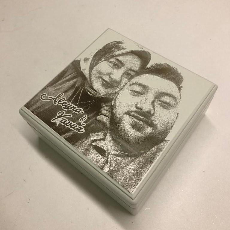 Kişiye Özel Çikolata Sürprizli Kare Kutu - Thumbnail
