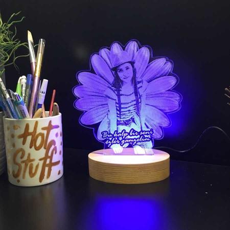 - Kişiye Özel Papatya Modelli 3D Gece Lambası