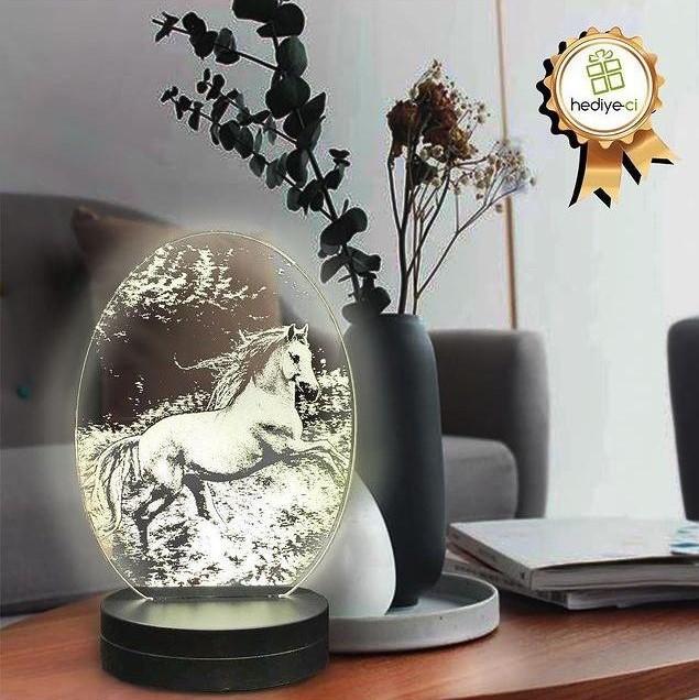- Oval Koşan At Figürlü 3D Lamba