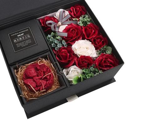 - Sabunlu çiçekli Kutu